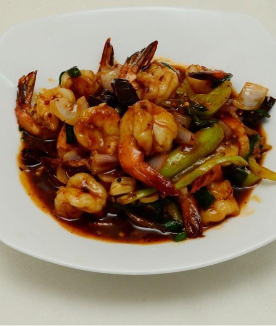 Seafood in Tamarind Sauce - Goong Phad Num Makham