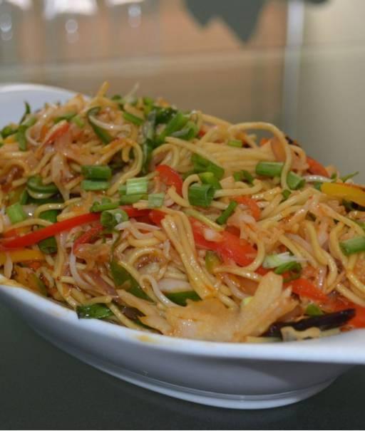 Vegetable Flat Noodles - Phad Thai Jay