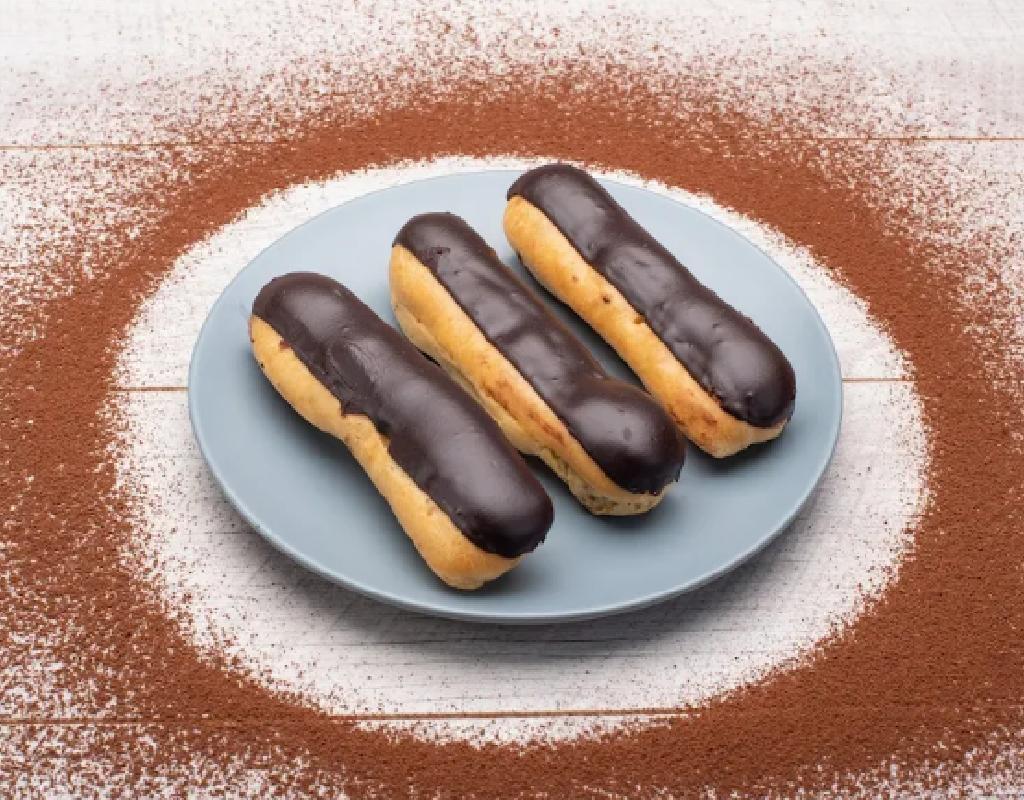 Chocolate Éclair - 2Nos